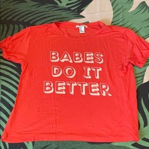 Tops - Babes do it better graphic tee